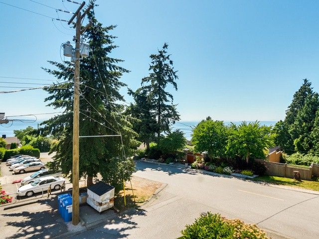 """Photo 16: Photos: 203 15010 ROPER Avenue: White Rock Condo for sale in """"Baycrest"""" (South Surrey White Rock)  : MLS®# F1417713"""