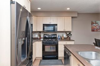 Photo 9: 12 199 Atkins Rd in : VR Six Mile Row/Townhouse for sale (View Royal)  : MLS®# 871443