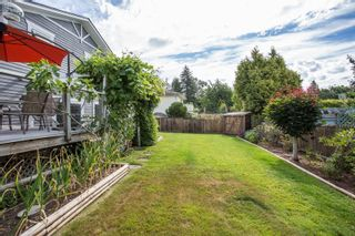 """Photo 19: 16146 10 Avenue in Surrey: King George Corridor House for sale in """"Mcnally Creek"""" (South Surrey White Rock)  : MLS®# R2287169"""