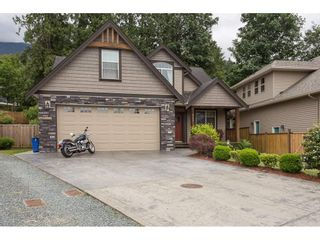 Photo 1: 8465 BRADSHAW PLACE in Chilliwack: Eastern Hillsides House for sale : MLS®# R2177262
