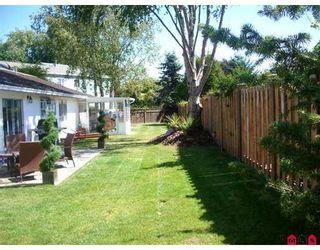 """Photo 2: 14076 17B AV in White Rock: Sunnyside Park Surrey House for sale in """"Sunnyside Park"""" (South Surrey White Rock)  : MLS®# F2619727"""