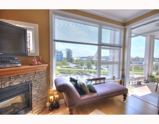 """Photo 10: Photos: 323 4600 WESTWATER Drive in Richmond: Steveston South Condo for sale in """"COPPER SKY"""" : MLS®# V757360"""