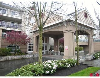 Photo 1: #312 19750 64th Ave in Langley: Condo for sale : MLS®# F2800657