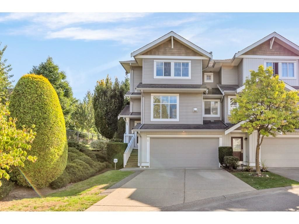 Main Photo: 5 16760 61 AVENUE in Surrey: Cloverdale BC Townhouse for sale (Cloverdale)  : MLS®# R2614988