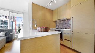 "Photo 11: 1705 565 SMITHE Street in Vancouver: Downtown VW Condo for sale in ""VITA"" (Vancouver West)  : MLS®# R2562463"