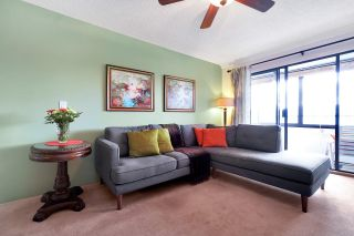 Photo 1: 301 20420 54 Avenue in Langley: Langley City Condo for sale : MLS®# R2558555