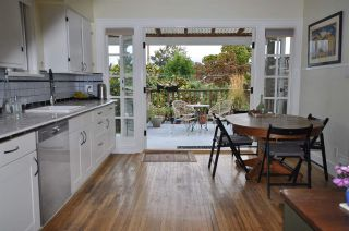 """Photo 4: 1607 E 14TH Avenue in Vancouver: Grandview VE House for sale in """"GRANDVIEW WOODLAND"""" (Vancouver East)  : MLS®# R2311671"""