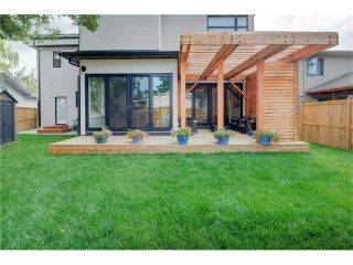 Photo 35: 6427 LAURENTIAN Way SW in Calgary: North Glenmore Park House for sale : MLS®# C4077730