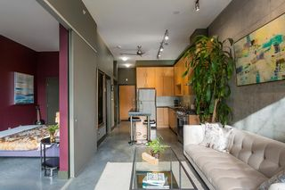 """Photo 3: 307 2635 PRINCE EDWARD Street in Vancouver: Mount Pleasant VE Condo for sale in """"SOMA Lofts"""" (Vancouver East)  : MLS®# R2539098"""