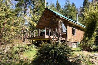 Photo 1: 584 Sabre Rd in : NI Kelsey Bay/Sayward House for sale (North Island)  : MLS®# 873035