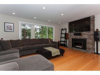 """Photo 4: 19720 41A Avenue in Langley: Brookswood Langley House for sale in """"BROOKSWOOD"""" : MLS®# R2157499"""