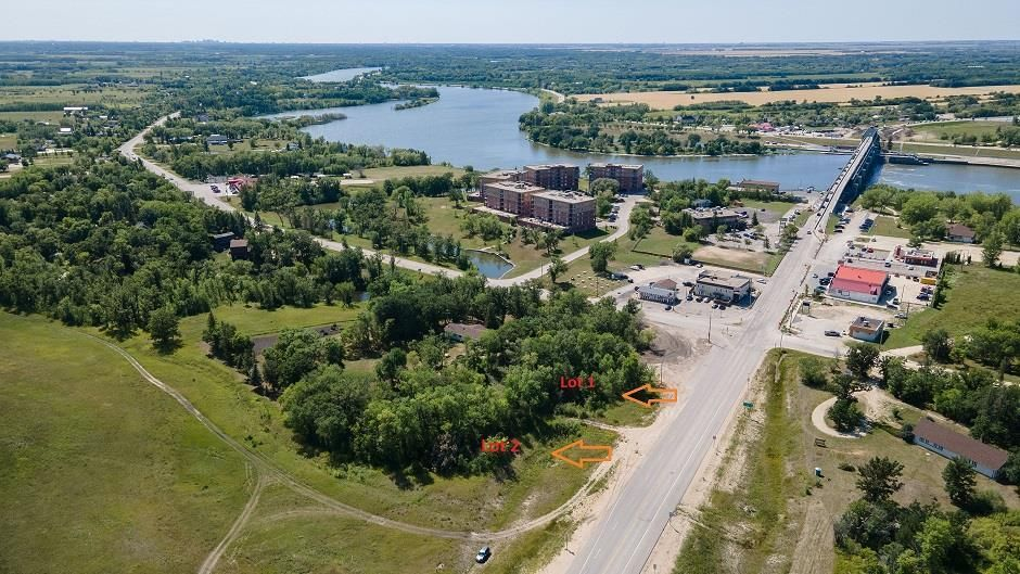 Main Photo: 1 PTH 44 Highway in Lockport: R02 Residential for sale : MLS®# 202120875