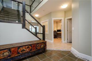 Photo 2: 1548 STRATHCONA Drive SW in Calgary: Strathcona Park Detached for sale : MLS®# C4292231