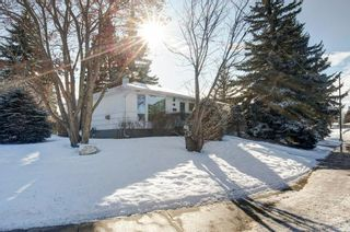 Photo 2: 4523 25 Avenue SW in Calgary: Glendale Detached for sale : MLS®# C4297579