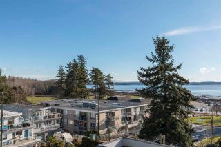 """Photo 31: 843 PARKER Street: White Rock House for sale in """"East Beach"""" (South Surrey White Rock)  : MLS®# R2590791"""