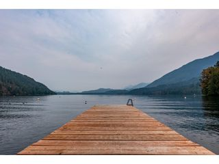"""Main Photo: 1805 LINDELL Avenue: Lindell Beach House for sale in """"LINDELL BEACH"""" (Cultus Lake)  : MLS®# R2572895"""