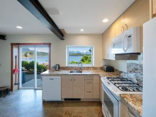 """Photo 22: 1512 TIDEVIEW Road in Gibsons: Gibsons & Area House for sale in """"LANGDALE"""" (Sunshine Coast)  : MLS®# R2535465"""