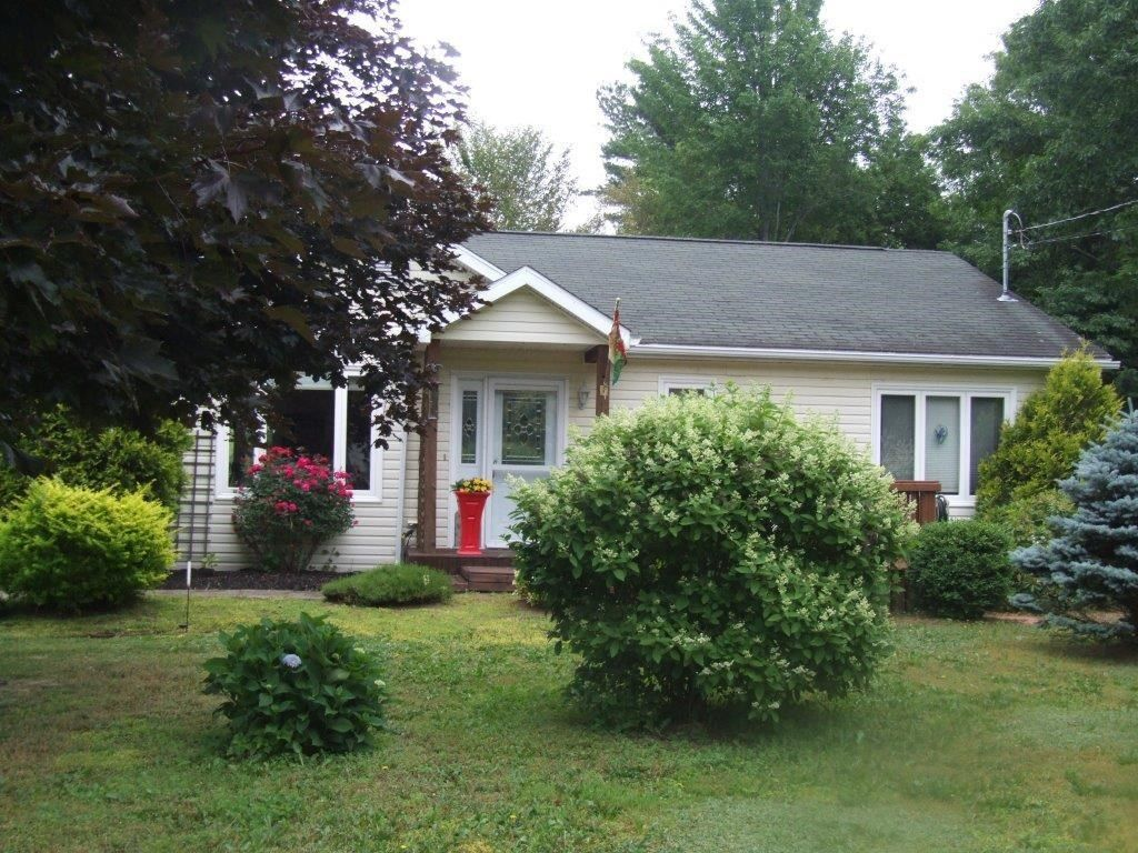 Main Photo: 57 Minas Crescent in New Minas: 404-Kings County Residential for sale (Annapolis Valley)  : MLS®# 202118526