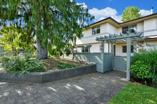Photo 2: 36 4061 Larchwood Dr in : SE Cedar Hill Row/Townhouse for sale (Saanich East)  : MLS®# 874763