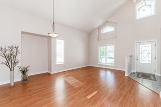Photo 6: 471 OZERNA Road in Edmonton: Zone 28 House for sale : MLS®# E4252419