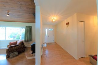 Photo 13: 24039 ROBERTSON Crescent in Langley: Salmon River House for sale : MLS®# R2348566