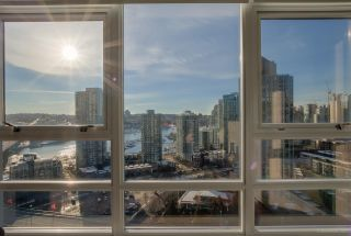 "Photo 2: 2701 939 EXPO Boulevard in Vancouver: Yaletown Condo for sale in ""Max 2 Building"" (Vancouver West)  : MLS®# R2129765"