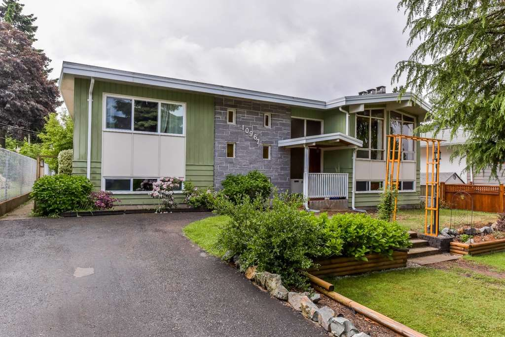 """Main Photo: 10967 JAY Crescent in Surrey: Bolivar Heights House for sale in """"birdland"""" (North Surrey)  : MLS®# R2368024"""