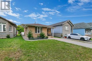Photo 4: 638 Mckay AVENUE in Windsor: House for sale : MLS®# 21017569