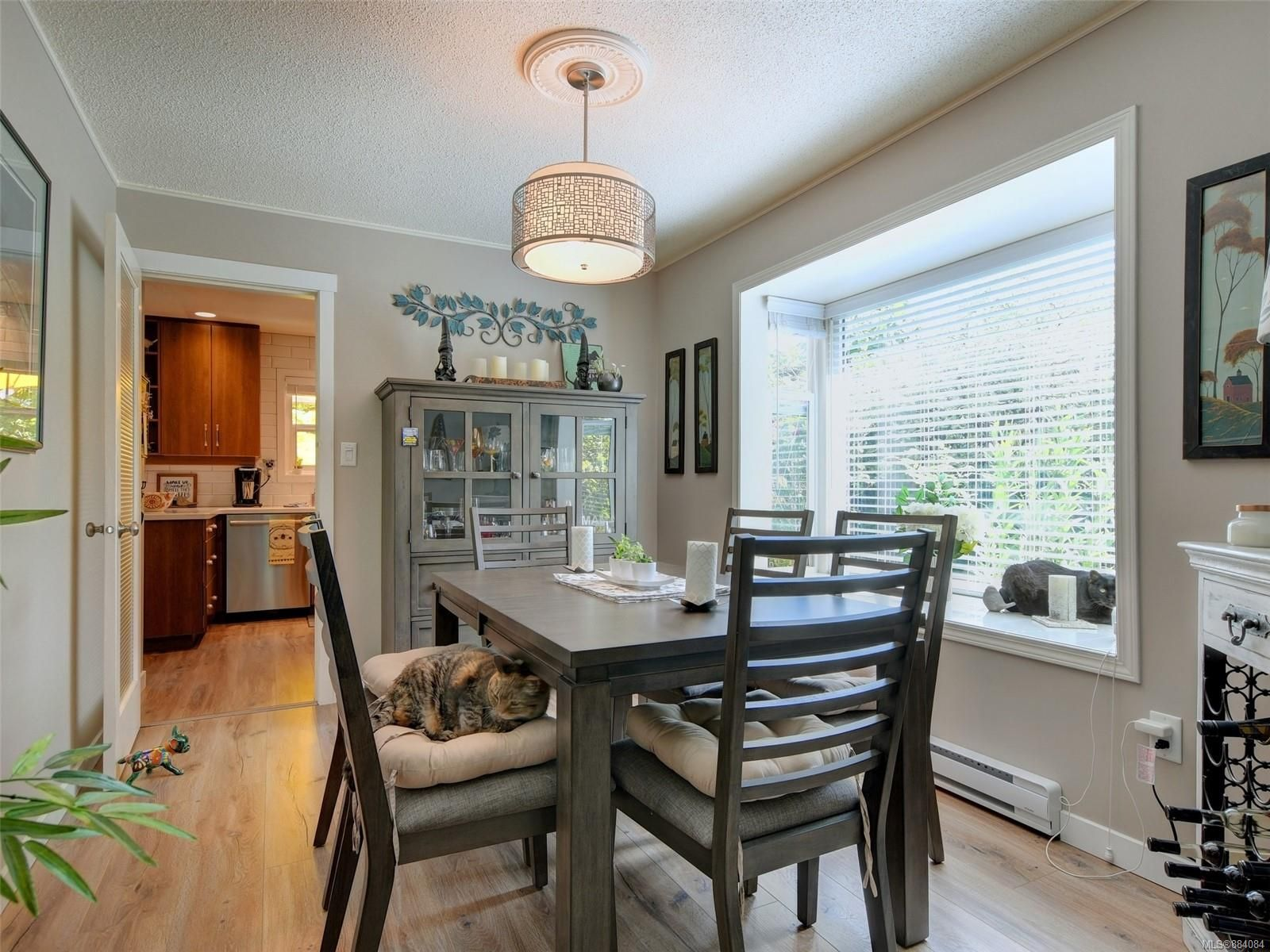 Photo 4: Photos: 6555 Country Rd in : Sk Sooke Vill Core House for sale (Sooke)  : MLS®# 884084