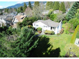 Photo 4: 1259 GORDON AV in West Vancouver: Ambleside House for sale : MLS®# V993487