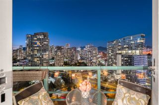 "Photo 21: 2601 1033 MARINASIDE Crescent in Vancouver: Yaletown Condo for sale in ""QUAYWEST"" (Vancouver West)  : MLS®# R2505008"