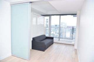 """Photo 9: 3811 1480 HOWE Street in Vancouver: Yaletown Condo for sale in """"VANCOUVER HOUSE BY WESTBANK"""" (Vancouver West)  : MLS®# R2543232"""