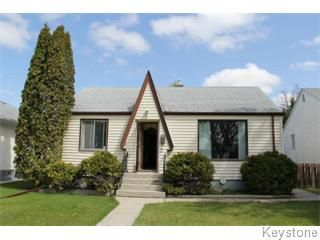 Main Photo: 221 Helmsdale Avenue in Winnipeg: East Kildonan Single Family Detached for sale (Winnipeg area)  : MLS®# 1212766