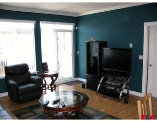 """Photo 3: 51 15060 66A Avenue in Surrey: East Newton Townhouse for sale in """"COTTAGES AT HARVEST LANE"""" : MLS®# F2908990"""