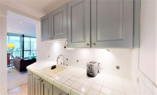 "Photo 18: 1703 650 16TH Street in West Vancouver: Ambleside Condo for sale in ""Westshore Place"" : MLS®# R2543449"