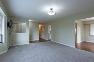 Photo 3: 711 Laird Cres in : CR Campbell River Central House for sale (Campbell River)  : MLS®# 861261
