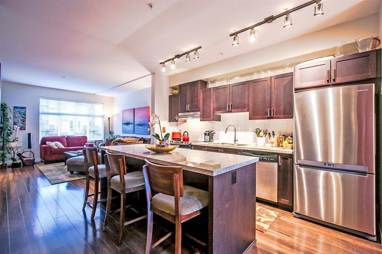 """Main Photo: 712 ORWELL Street in North Vancouver: Lynnmour Townhouse for sale in """"Wedgewood"""" : MLS®# R2037751"""