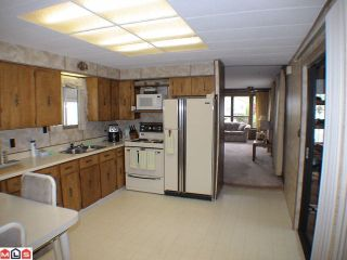"""Photo 4: 93 24330 FRASER Highway in Langley: Otter District Manufactured Home for sale in """"Langley Grove estates"""" : MLS®# F1112607"""