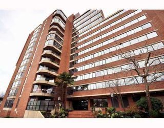 """Photo 10: 1107 1450 PENNYFARTHING Drive in Vancouver: False Creek Condo for sale in """"HARBOUR COVE"""" (Vancouver West)  : MLS®# V810158"""