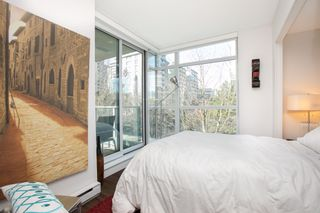 """Photo 5: 309 1889 ALBERNI Street in Vancouver: West End VW Condo for sale in """"LORD STANLEY"""" (Vancouver West)  : MLS®# R2343029"""