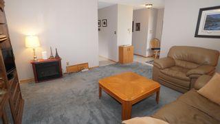 Photo 5: 10615 165 Avenue NW in Edmonton: Zone 27 House for sale : MLS®# E4264865