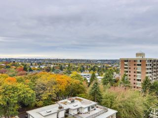 """Photo 11: 1203 2370 W 2ND Avenue in Vancouver: Kitsilano Condo for sale in """"Century House"""" (Vancouver West)  : MLS®# R2625457"""