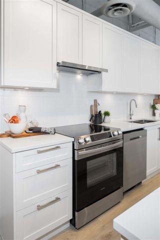 Photo 4: 206 2160 GRANT Avenue in Port Coquitlam: Glenwood PQ Condo for sale : MLS®# R2582678