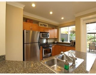 Photo 7: 1658 St. Georges Avenue in North Vancouver: Central Lonsdale Townhouse for sale : MLS®# V794083