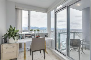 Photo 2: 3803 1033 MARINASIDE CRESCENT in Vancouver: Yaletown Condo for sale (Vancouver West)  : MLS®# R2257056