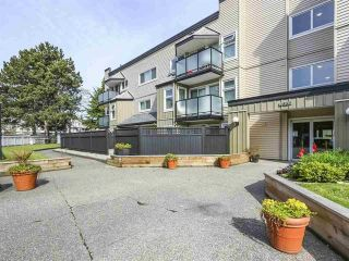 "Photo 9: 223 1850 E SOUTHMERE Crescent in Surrey: Sunnyside Park Surrey Condo for sale in ""SOUTHMERE PLACE"" (South Surrey White Rock)  : MLS®# R2369108"