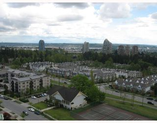 """Photo 10: 1703 6611 SOUTHOAKS Crescent in Burnaby: Middlegate BS Condo for sale in """"GEMINI I"""" (Burnaby South)  : MLS®# V667416"""