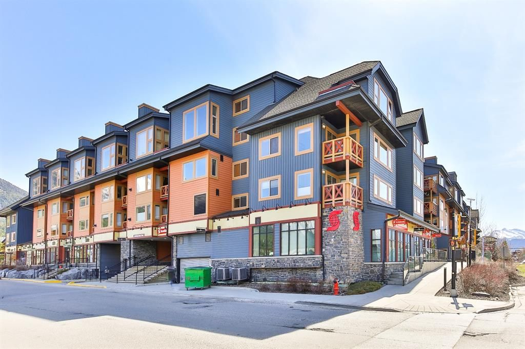 Main Photo: 208 1160 Railway Avenue: Canmore Apartment for sale : MLS®# A1101604