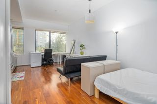 """Photo 4: 413 1333 W GEORGIA Street in Vancouver: Coal Harbour Condo for sale in """"Qube Building"""" (Vancouver West)  : MLS®# R2602829"""