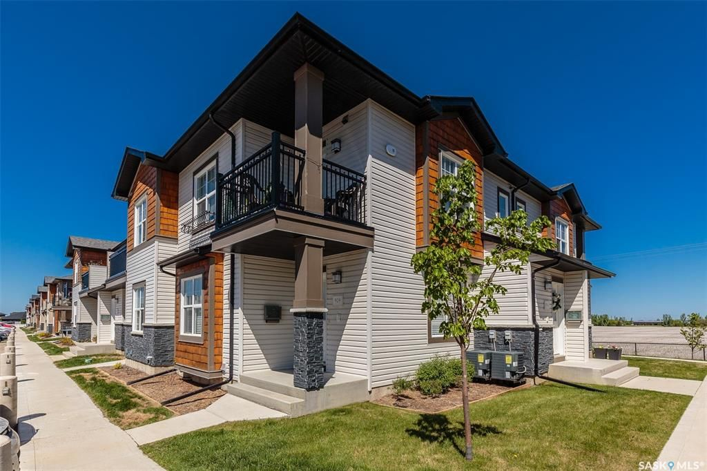 Main Photo: 909 1015 Patrick Crescent in Saskatoon: Willowgrove Residential for sale : MLS®# SK852597